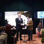 """Rama me gazetarin amerikan Fred Abrahams, çel diskutimet për librin e tij """"Shqipëria e re"""""""